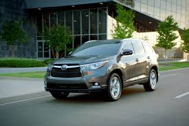 mileage toyota highlander crossovers with the best gas mileage motor trend