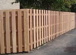 ringhiera in legno per giardino costruire un recinto recinzioni consigli per la costruzione di