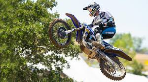lucas pro oil motocross dunlop riders continue win streak in 2017 lucas oil ama pro