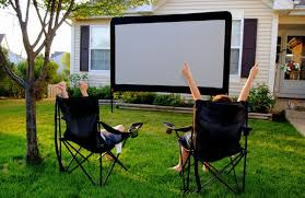 How To Make A Backyard Movie Screen by Theses Easy Diy Projects Can Transform Any Backyard Into The Envy
