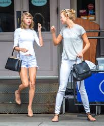 more pics of karlie kloss bob 18 of 18 short hairstyles karlie kloss taylor swift move in together they are inseparable