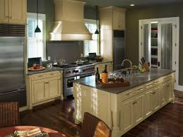 Chocolate Glaze Kitchen Cabinets Artistic Cream Kitchen Cabinets White Trim In Crea 1490x912