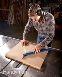 miter cuts on table saw table saw jigs build a table saw sled woodworking wood working