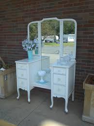 Vintage Style Vanity Table Furniture Handsome Furniture For Vintage Bedroom Decoration