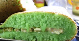 thermom鑼re de cuisine s wai sek hong favorites pandan flavored ban jian kuih