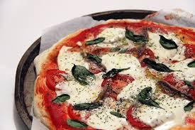 cuisine italienne pizza la pizza napolitaine est un classique de la cuisine italienne quand