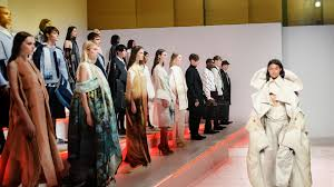 Best Schools For Fashion Merchandising The Of Fashion At Parsons The New