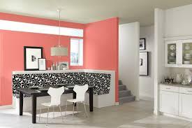 cuisine mur aubergine chambre aubergine et beige 10 cuisine blanche et coin repas blanc