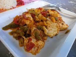 cuisiner des filets de poulet filets de poulet et trio de poivrons l atelier de la corvette