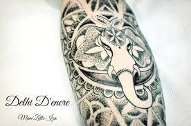 tatouage femme avant bras tatouage eléphant dot work et fleurs de vie avant bras le blog