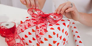 valentines day gifts it s not complicated s gifts for all relationship