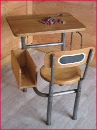 bureau enfant ancien bureau pupitre enfant 265978 ancien pupitre d école primaire vendu