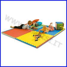 tappeti in gomma per bambini bimbi si sicurezza tappetoni ad incastro per interni