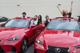 car picker red lexus lflc english