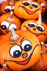 Carve Pumpkin Decorating