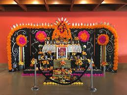 Dia De Los Muertos Pictures Master Altar Maker Ofelia Esparza Explains The Significance Of Dia