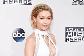 the blonde short hair woman on beverly hills housewives gigi hadid s short hair at american music awards 2015 see pics