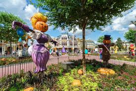 Garden Halloween Decorations Photos Halloween Decorations At The Magic Kingdom