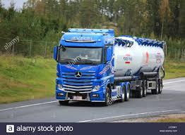mercedes benz truck in industrial stock photos u0026 mercedes benz
