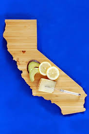 state shaped gifts state shaped cutting board 10 rad housewarming gifts your friends