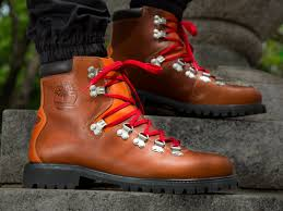 timberland canada s hiking boots timberland is bringing back the best fall hiking boot for the