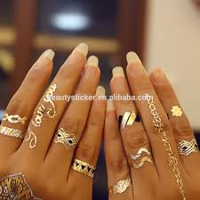 lovely wedding ring finger tattoo design foto 2 tatoo