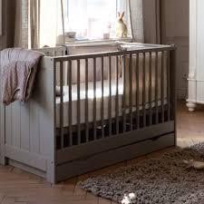 chambre bébé pin massif lit pour bébé fly photo lit bebe evolutif