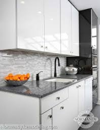 Gloss Kitchen Cabinet Doors Great Look For A Modern Kitchen Style White High Gloss Kitchen