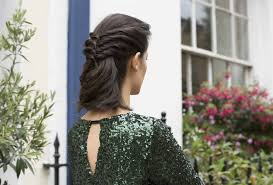 4 glamorous christmas party hairstyles for short hair