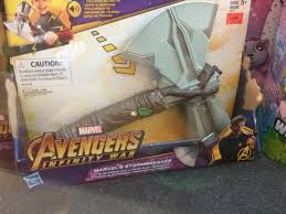 possibility of thor iw uniform with stormbreaker hammer axe