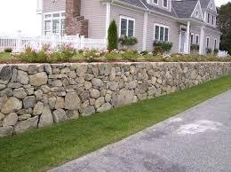 Backyard Retaining Wall Ideas Best 25 Retaining Wall Bricks Ideas On Pinterest Garden Retaining