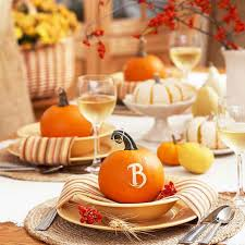 20 of our favorite thanksgiving tablescape and decorating ideas