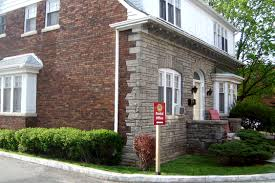 One Bedroom Apartment In Etobicoke Apartments For Rent Toronto Mimico Estates