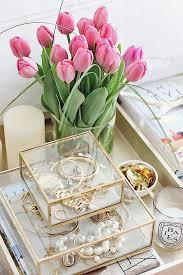 Jewelry And Makeup Vanity Table Best 25 Vanity Table Organization Ideas On Pinterest Diy Makeup