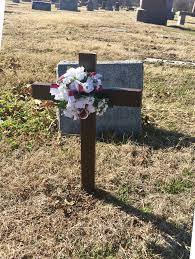roadside memorial crosses 9 best images about floralmemorials cemetery gravesite or