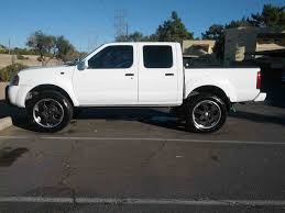 white nissan frontier lifted car pictures