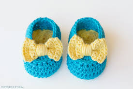 baby booties crochet project to try out cottageartcreations