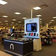 Barnes And Noble Los Angeles Barnes U0026 Noble 30 Photos U0026 75 Reviews Bookstores 313 Corte