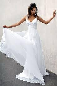 flowing wedding dresses best 25 flowing wedding dresses ideas on pretty flowing