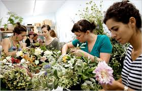 floral arranging flower arranging finds a younger audience flower and flower shops