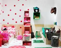 idee deco chambre enfants chambre enfants mixte photo chambre fille vert anis lambris pvc