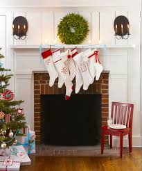 Christmas Tree Decorated With Stockings by Red And White Christmas Decorations Red Christmas Decorating Ideas