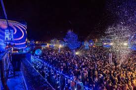 christmas lights switch on picture of university of southampton