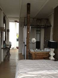 wohnzimmer prenzlauer berg mit offener dusche hotel ackselhaus in berlin prenzlauer berg