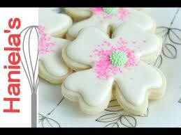 Decorating With Royal Icing Dogwood Flower Cookies Tutorial Decorating With Royal Icing And