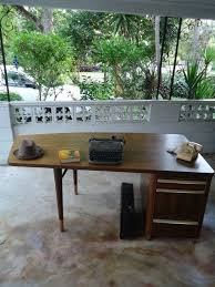 Retro Modern Desk Mid Century Modern Desk Stow U0026 Davis 1955 Single Pedestal Curved
