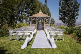 wedding aisle runner how to secure a wedding aisle runner on the grass for an outdoor