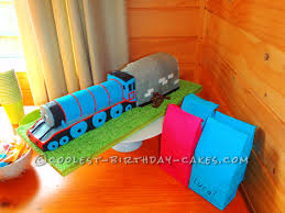 coolest gordon train birthday cake birthday cakes birthdays and