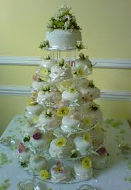 monique lhuillier mini wedding cakes cheap wedding veils