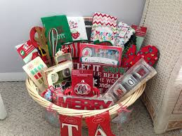 bridal shower basket ideas bridal shower basket christmas diy